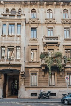 Italy is one of my absolute favourite places in the world, and I intend to see all of it. This was my third time visiting Italy, but my first time… Italy Street, Milan Italy, Milan Travel, Cities In Italy, Italy Tours, Italian Beauty, City Aesthetic, Visit Italy, Aesthetic Backgrounds