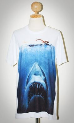 Jaws The Great White Shark Indie Punk Rock White Unisex Women T-Shirt Size M