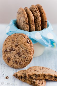foodblog: paules ki(t)chen » Blog Archiv » • Nickys Chocolate Chip Cookies mit gebräunter Butter