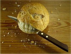 In today's post we have gathered a collection of Awesome Food Art. You can find extraordinary edible art in this post. Checkout more Food art after the jump. Best Low Carb Bread, Lowest Carb Bread Recipe, Food Design, Art Du Pain, Funny Fruit, Funny Food, Bread Art, Bread Food, Stale Bread
