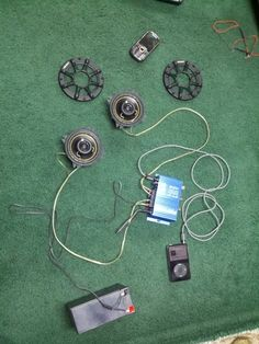Ammo can speakers - Survivalist Forum Diy Bluetooth Speaker, Diy Speakers, Diy Electronics, Electronics Projects, Weekend Projects, Projects To Try, Homemade Speakers, Diy Boombox, Ammo Cans