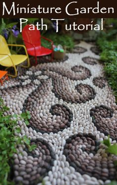 Tutorial Fairy house fairy garden path. I would do this but use beans, or small pebbles.