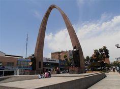 Arco de la Alianza Plaza de Armas Tacna