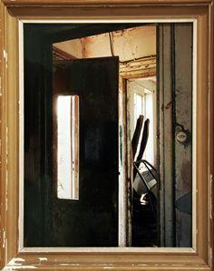 Esko Männikkö: Johan. Minimalist Photography, Contemporary Photography, Urban Photography, Color Photography, Robert Mapplethorpe, Robert Doisneau, Andrew Moore, Berenice Abbott, Henri Cartier Bresson