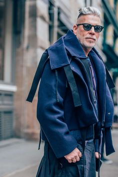 February 4, 2016 Tags Sunglasses, Blue, Nick Wooster, Men, Coats, New York, FW16 Men's, 1 Person