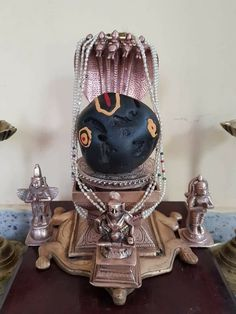 Srushti is always surprise us. Rare Picture of Sri Ananthapadmanaba Saligrama அபூர்வ ஸ்ரீஅனந்த பத்மநாப சுவாமி சாலிக்கிராமம் Lord Vishnu, Lord Ganesha, Lord Shiva, Jai Hanuman, Jai Shree Krishna, Om Namah Shivaya, God Pictures, Rare Pictures, Vidya Balan Hot