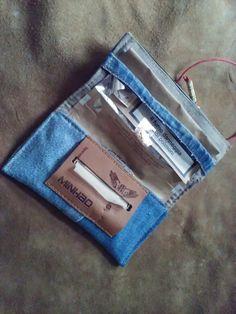 Portatabacco in tessuto denim riciclato cucito a di robafattamman