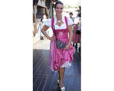 Katharina Witt macht in unserem Dirndl Tessa auf dem Oktoberfest 2012 eine super Figur!