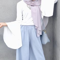 """2,072 Likes, 21 Comments - Minimal Is Chic (@lilfaraaaah) on Instagram: """"I'm wearing the Warda casual from @janes.my & Zeusleather sandal from @yokeandtheam. Thank you! x…"""""""