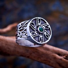 Eye of Horus Ring Silver with Emerald | Ka Gold Jewelry | symbol of knowledge and ancient magic | The Eye of Horus also known as The Eye of Ra, is an ancient Egyptian symbol