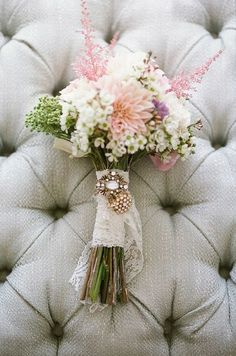 Uniquely Yours Bridal Showcase adores this wedding bouquet! http://uniquelyyoursbridalshowcase.com