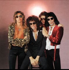 random thoughts: queen, life, and everything Queen Photos, Queen Pictures, Queen Freddie Mercury, Brian May, John Deacon, I Am A Queen, Save The Queen, Great Bands, Cool Bands