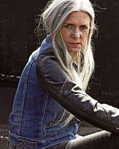 Herbst-Trends: Rock 'n' Roll-Mode: Black is Back - BRIGITTE WOMAN