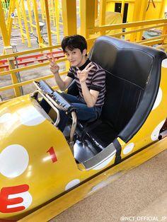 Mark Lee, Jaehyun, Lee Taeyong, Beijing, Nct 127 Mark, Johnny Seo, Amusement Park Rides, Kpop, Photos Du