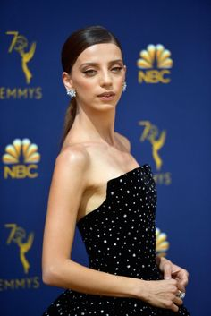 Angela Sarafyan wore a Christian Siriano Fall 2018 embellished ball gown to the 2018 Emmy Awards (II) Angela Sarafyan, Celebrity Updates, Strapless Dress Formal, Formal Dresses, Christian Siriano, Ball Gowns, Awards, Street Style, Celebrities