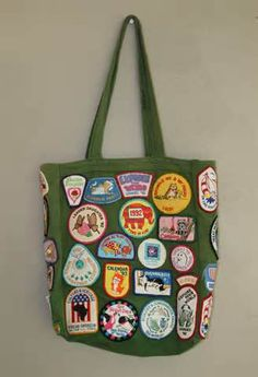 Girl Scouts volunteer tote idea! Because moms want to have patches also ;)
