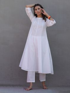 The Loom- An online Shop for Exclusive Handcrafted products comprising of Apparel, Sarees, Jewelry, Footwears & Home decor. Fancy Dress Design, Stylish Dress Designs, Designs For Dresses, Stylish Dresses, Casual Dresses, Pakistani Fashion Casual, Pakistani Dresses Casual, Pakistani Dress Design, Indian Fashion