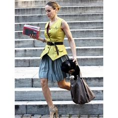 Na www.fashion.hr se prisjećamo najboljih kombinacija našeg najdražeg lika iz serije 'Sex i Grad'... #carriebradshaw #love #icon #styleicon #news #fhr #fashion #bestoff #Padgram