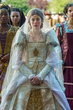 netflix movies From the gorgeous, ornate outfits and hunky dudes in suspenders to the old-fashioned etiquette and lightly veiled sarcasm, we have a major thing for period dramas. And wh Best Period Dramas, Period Drama Movies, Netflix Shows To Watch, Tv Series To Watch, Movies Showing, Movies And Tv Shows, College Movies, Downton Abbey Movie, Amazon Prime Movies