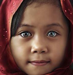 Magical Eyes, Keningan, Sabah, Malaysia - Pixdaus