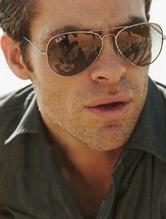 Chris Pine, sunglases