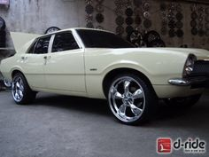 Ford maverick 4 puertas