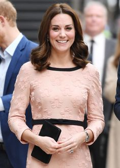 Kate Middleton's New Hair Is Proof a Trim Can Transform Your Look | Kate Middleton just proved that a trim can transform your entire look. See the Duchess of Cambridge's new fall lob—it's the perfect haircut for the new season.