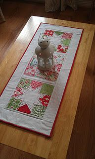 Table Runner- I can make one quick for Christmas!