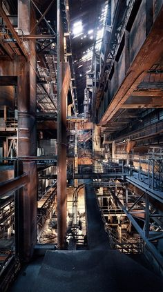 The Abandoned and Forgottenseries of theDutch photographerJan Stel, based in Amsterdam, an urbex enthusiast who leads us to discover some fascinating aban