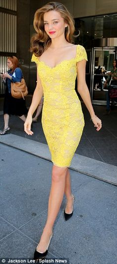 Though I seem to detest Miranda Kerr now, I still love her style. This yellow lace dress is LOOOOVE! Yellow Lace Dresses, Pretty Dresses, Beautiful Dresses, Gorgeous Dress, Pretty Outfits, Style Miranda Kerr, Herve Leger Dress, Lagerfeld, Fashion Mode