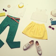 Need some inspiration? These are our outfits of the day for this sunny Monday!