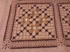Beaded Embroidery, Embroidery Designs, Bargello, Bohemian Rug, Needlework, Cross Stitch, Diy Crafts, Beads, Crochet