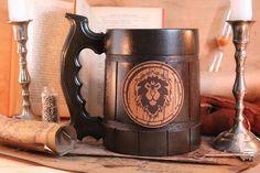 Warcraft Custom Alliance MugWow GiftWorld of Warcraft World Of Warcraft, A Double Tranchant, Wooden Beer Mug, War Craft, Leather Label, Gamer Gifts, Personalized Mugs, Magic The Gathering, Flask