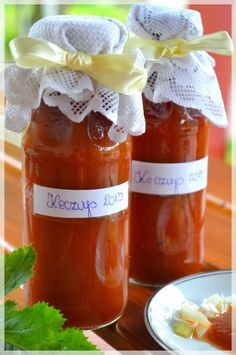 Hit przetworów Ketchup z cukinii:) Ketchup Sauce, Zucchini Tomato, Sugar Free Desserts, Polish Recipes, Canning Recipes, Hot Sauce Bottles, Food Photo, Cooking Tips, Food And Drink