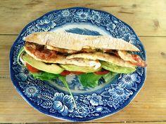 Speciaal voor 'The Hellmans Burger Competition' bedacht ik de Skinny Burger. De Skinny Burger bestaat uit een (meergranen) pistolet, gegrilde kipfilet, knapperige bacon, avocado en een saus van... Read More »