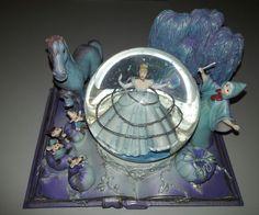 Disney Collection - Hallmark Cinderella  Globe NIB - Sealed  #Disney
