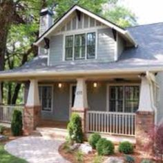 <3 craftsman style homes
