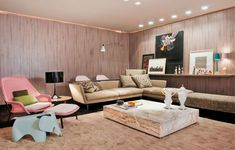 Como Decorar La Sala Pequeña.  La utilización del color en las paredes es muy importante para lucir en una sala que carece de espacio, porque el color claro siempre te va a prestar sensación de amplitud, haciéndote el espacio más amplio, ... Ver más aquí: https://decoracionsalas.com/decorar-la-sala-pequena/