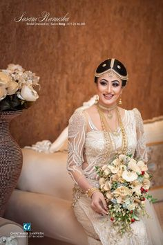 Bridal Wedding Dresses, Wedding Poses, Wedding Ideas, Saree Jackets, Arabian Makeup, Swami Vivekananda, Saree Look, Blouse Designs, Prom Dresses