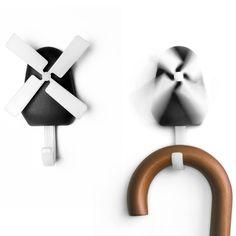 Qualy Windmolen wandhaak - Zwart  Description: Met de Windmolen wandhaak van Qualy wordt het opruimen van je tas of jas haast nog leuk. Als je iets aan de wandhaak hangt dan gaat de windmolen draaien. Gelukkig draaien de wieken niet zo hard dat de molen de spullen eraf blaast. De kunststof wandhaak is zwart. De wieken van de molen en de haak zijn wit. Je koopt dit product online bij Ditverzinjeniet.nl.  Price: 6.95  Meer informatie