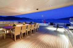 MY MARY JEAN II - Aft Deck Dining