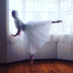 A Muslim teenager whose dream it is to be the first hijab-wearing ballerina has just landed a scholarship to go to dance school after trying to raise the funds online.Stephanie Kurlow, from Australia,. Muslim Fashion, Hijab Fashion, Kalash, Islam, School Dance Dresses, Simple Hijab, Hijab Collection, Beautiful Muslim Women, Beautiful People