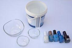 recipientes y lacas de uñas para hacer la técnica del marmoleado