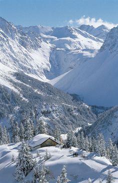Palüdhütte im Skigebiet Brandnertal, Vorarlberg- Austria