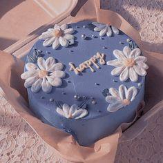 Pretty Birthday Cakes, Pretty Cakes, Beautiful Cakes, Amazing Cakes, 21st Birthday Cakes, Happy Birthday, Mini Cakes, Cupcake Cakes, Kreative Desserts