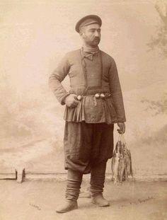 Fisherman. Photo by Roinashvili (Old Tbilisi Fishermans), dal 1865 al 1898
