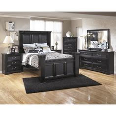 Signature Design by Ashley Cavallino Black Poster Bed