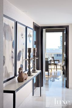 In honor of its 180-degree views of the Atlantic Ocean, designers David Gonzalez-Blanco and William Jurberg appropriately named the Miami Beach condominium that they created for a New York couple's vacation retreat, Puerto Azul—Spanish for Blue Port.