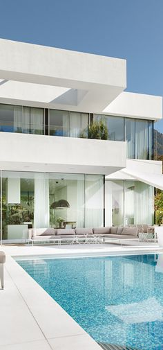 #architecture #design #white #modern #contemporary #pool #villa #outdoor