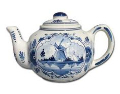 "Delfs blue tea pot~~not sure if I should pin this to my ""I'm a little teapot"" board or to my ""Blue & White"" board!"